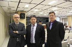 esq. para direita: Eduardo Pinto, subsecretário da Celic; Edu Olivera, secretário da Smarh; Gelson Guarda, diretor do DTERS